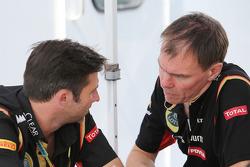 Matthew Carter, Lotus F1, Geschäftsführer; Alan Permane, Lotus F1, Chefingenieur