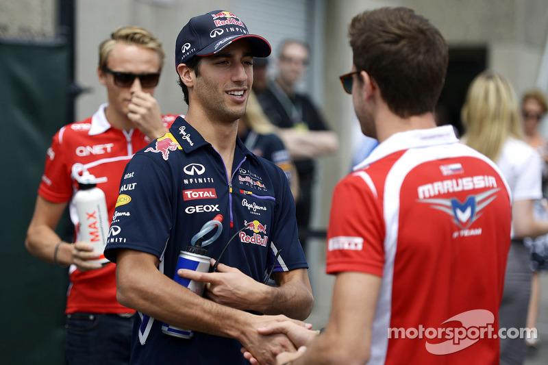Daniel Ricciardo, Red Bull Racing ve Jules Bianchi, Marussia F1 Takımı pilot geçiş töreninde