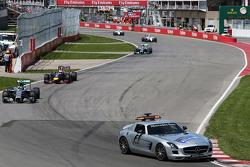 Safety-Car-Phase: Nico Rosberg, Mercedes AMG F1 W05, führt