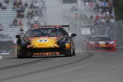 #77 Ferrari of Beverly Hills: 哈里·程