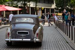 Rolls-Royce na Place de la République