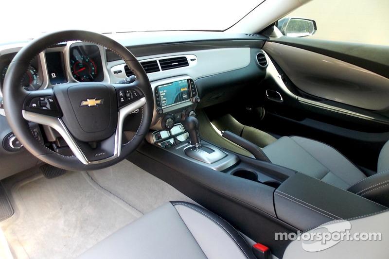 The Chevrolet Camaro SS dalla concessionaria Dale Earnhardt Jr.