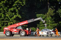 Crash for #67 IMSA Performance Matmut Porsche 911 GT3 RSR (997): Erik Marris, Jean-Marc Merlin, Eric Helary