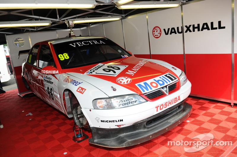 1997 Vauxhall Vectra V97-001 di John Cleland