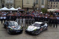 #77 Dempsey Racing - Proton Porsche 911 RSR (991): Patrick Dempsey, Joe Foster, Patrick Long, #88 Proton Competition Porsche 911 RSR (991): Christian Ried, Klaus Bachler, Khaled Al Qubaisi