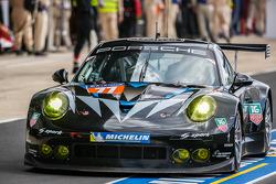 #77 邓普希 Racing - Proton 保时捷 911 RSR (991): 帕特里克·邓普希, 乔·福斯特, 帕特里克·朗