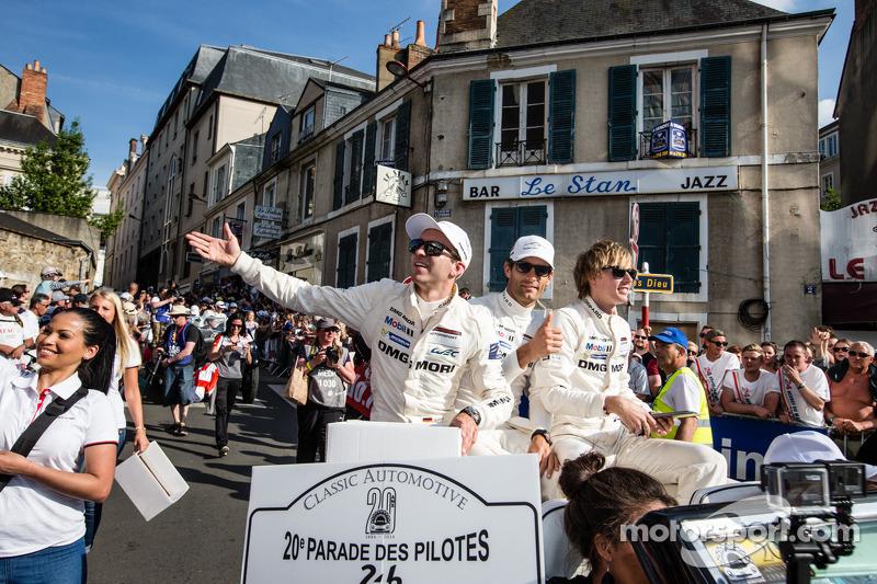 Timo Bernhard, Mark Webber e Brendon Hartley