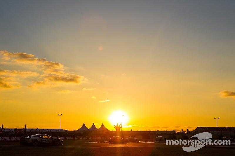 Course au coucher du soleil 24 heures du mans photos 24 heures du mans - Heures coucher du soleil ...