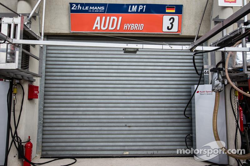 #3 Audi Sport Team Joest Audi R18 E-Tron Quattro abandona a corrida após acidente