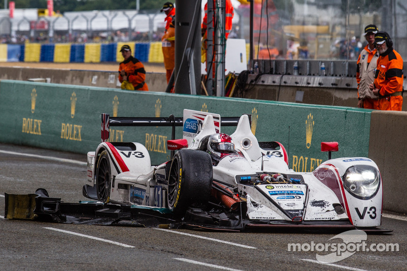#41 Greaves Motorsport Zytek Z11SN - Nissan: Rudolf Nunemann, Alessandro Latif, James Winslow nos pit, com problemas