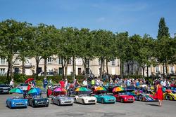 Carros coloridos de crianças
