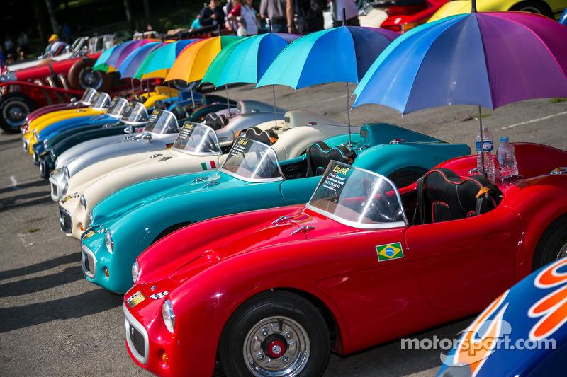 Renkli çocuk araçları