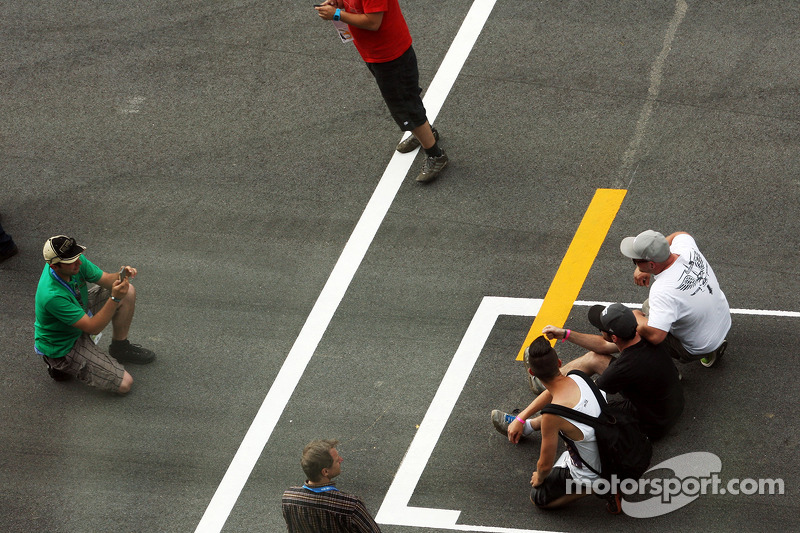 Fans enjoy themselves on the grid