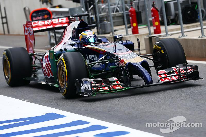 Jean-Eric Vergne, Scuderia Toro Rosso STR9 con vernice flow-vis sull'ala anteriore