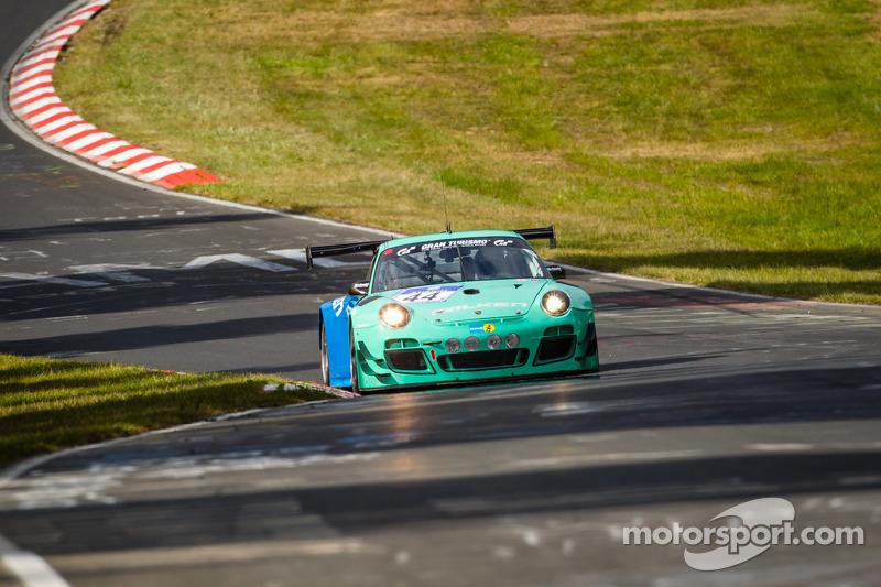 #44 Falken Motorsports 保时捷 997 GT3 R: 彼得·邓布雷克, 沃尔夫·亨泽尔, 亚历山大·因佩拉托里