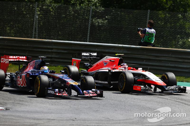 Jean-Eric Vergne, Scuderia Toro Rosso STR9 e Max Chilton, Marussia F1 Team MR03