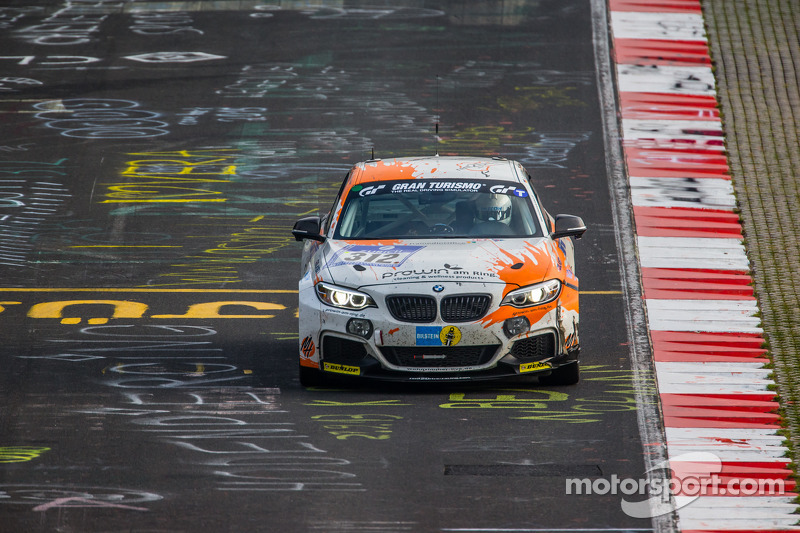 #312 宝马 M235i Racing: Jörg Wiskirchen, Carsten Welschar, David Ackermann
