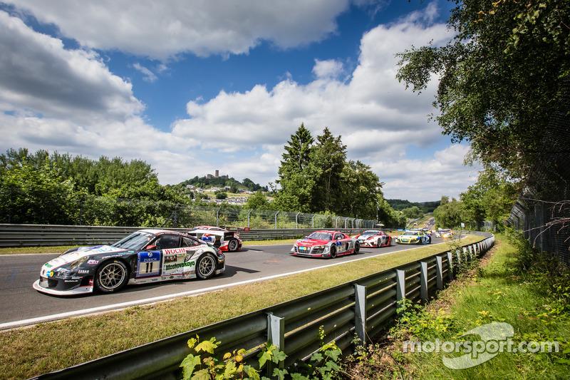 Via: #11 Wochenspiegel Team Manthey Porsche 911 GT3 RSR: Georg Weiss, Oliver Kainz, Michael Jacobs, Jochen Krumbach