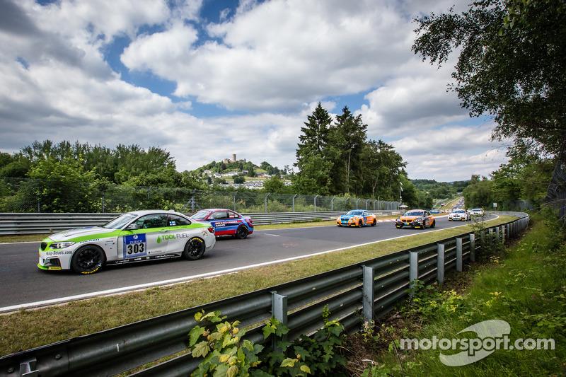 Via: #303 BMW M235i Racing: Henri Österlund, Markku Honkanen, Christer Lybäck, Matias Henkola
