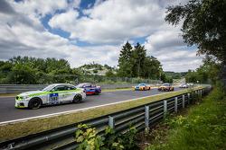 起步: #303 宝马 M235i Racing: Henri Österlund, Markku Honkanen, Christer Lybäck, Matias Henkola