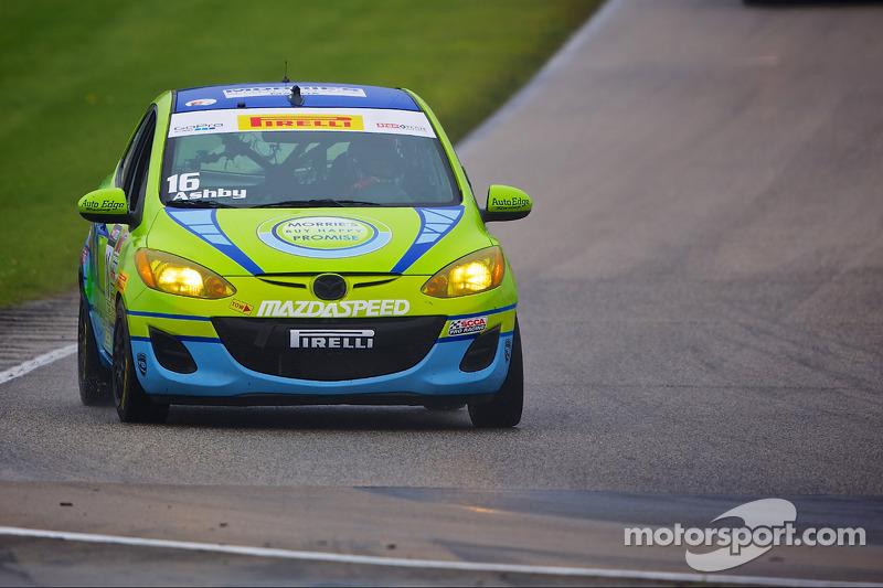 #16 Morrie's 马自达 Motorsports 马自达 2: Michael Ashby