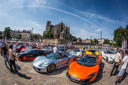 Supercars display: McLaren P1 and Porsche 918 Spyder