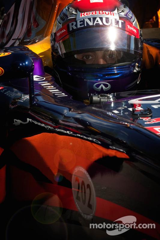 Red Bull-Renault RB7 - Sebastien Buemi