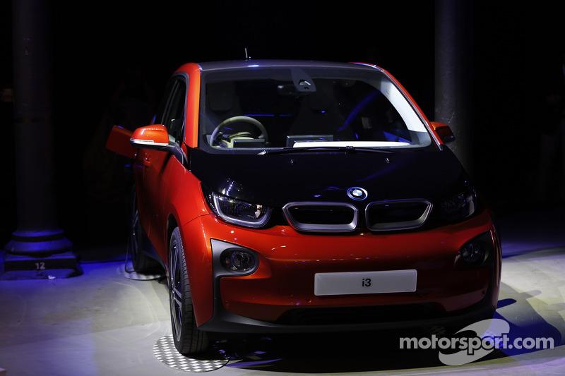 Elektrikli BMW aracı