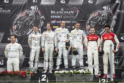 Pódio: vencedors Hari Proczyk, Jeroen Bleekemolen, segundo lugar Maximilian Buhk, Maximilian Götz, terceiro lugar Cesar Ramos, Laurens Vanthoor