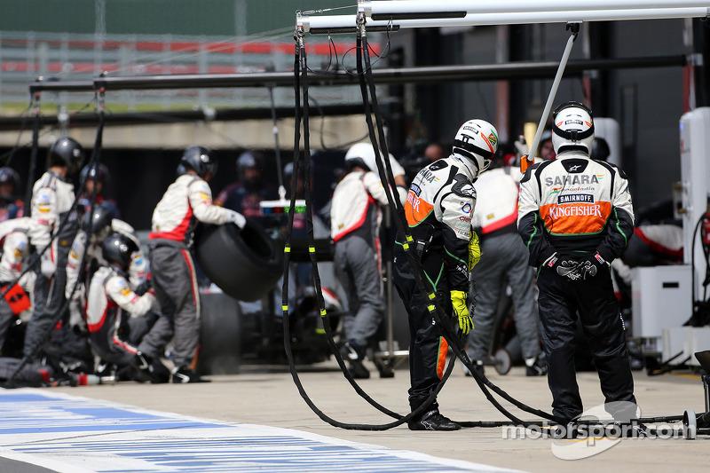 Sahara Force India Formula One Team mecânicos