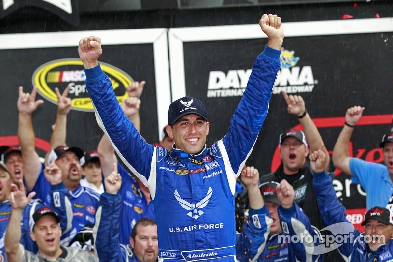 2014, Daytona 2: Aric Almirola (Petty-Ford)