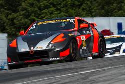 #28 蒂姆·贝尔 Racing 日产 370 Z: 蒂姆·贝尔, 达内·卡梅隆