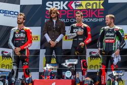 Podio di Gara 1: Marco Melandri, Sylvain Guintoli e Tom Sykes