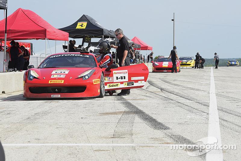 #141 Ferrari de Fort Lauderdale Ferrari 458: John Baker