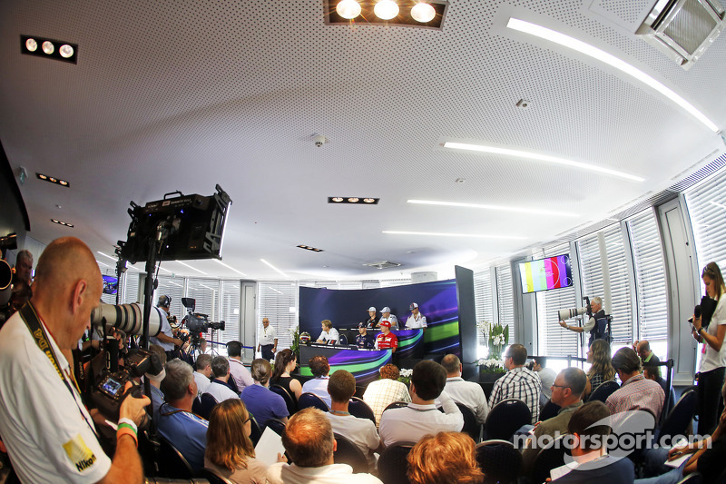 La conferenza stampa FIA: Nico Hulkenberg, Sahara Force India F1; Kevin Magnussen, McLaren; Adrian Sutil, Sauber; Nico Rosberg, Mercedes AMG F1; Sebastian Vettel, Red Bull Racing; Kimi Raikkonen, Ferrari