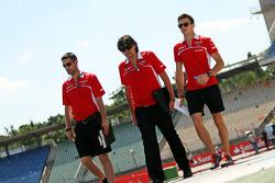 Jules Bianchi, Marussia F1 Team passeggia per il circuito