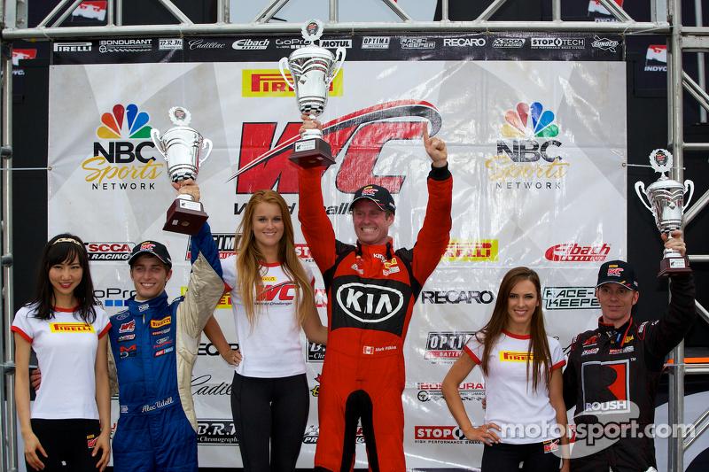 GTS Classe Podio del vincitore: il vincitore Mark Wilkins, il secondo posto Alec Udell, terzo posto Jack Roush Jr.