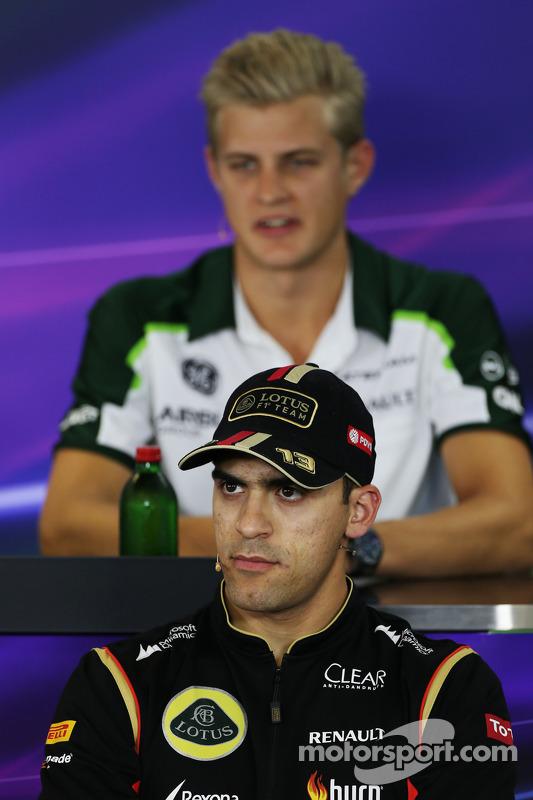 Pastor Maldonado, Lotus F1 Team, na Conferência de Imprensa FIA