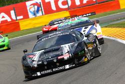 #11 Kessel Racing 法拉利 458 Italia: 迈克尔·布隆尼斯泽维斯基, 亚历山德罗·博纳奇尼, 贾科莫·彼得罗贝利