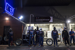 InsightRacing mechanics wait for a pit stop