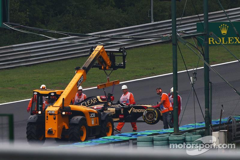 Romain Grosjean, Lotus F1 E22 crashed out of the race