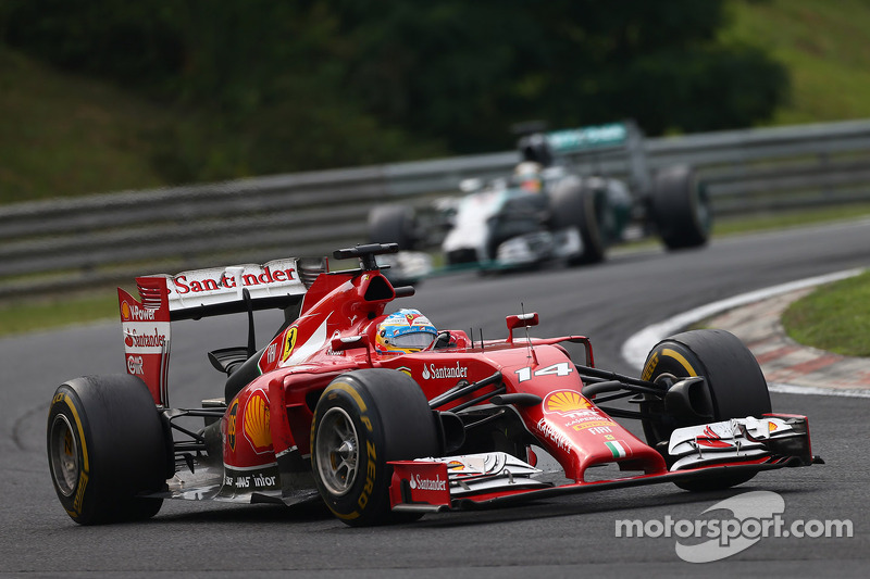 Fernando Alonso, Ferrari F14-T ve Nico Rosberg, Mercedes AMG F1 W05