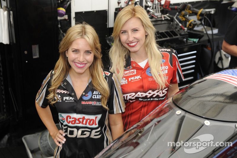Brittany Force und Courtney Force (NHRA/Dragster)