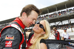 Kurt Busch, Stewart-Haas Racing Chevrolet with girlfriend Patricia Driscoll