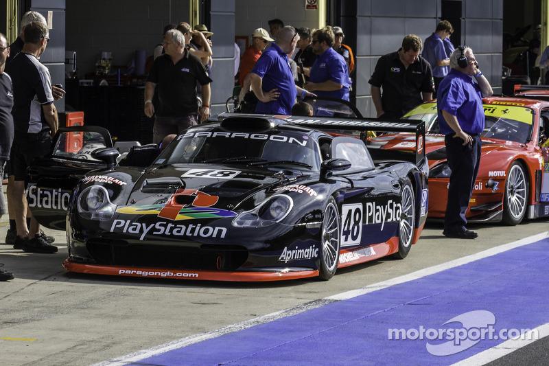 #28 Porsche 911 GT1: Mark Sumpter
