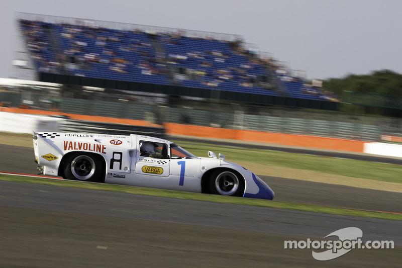 #1 Lola T70 Mk3B: Leo Voyazides, Simon Hadfield