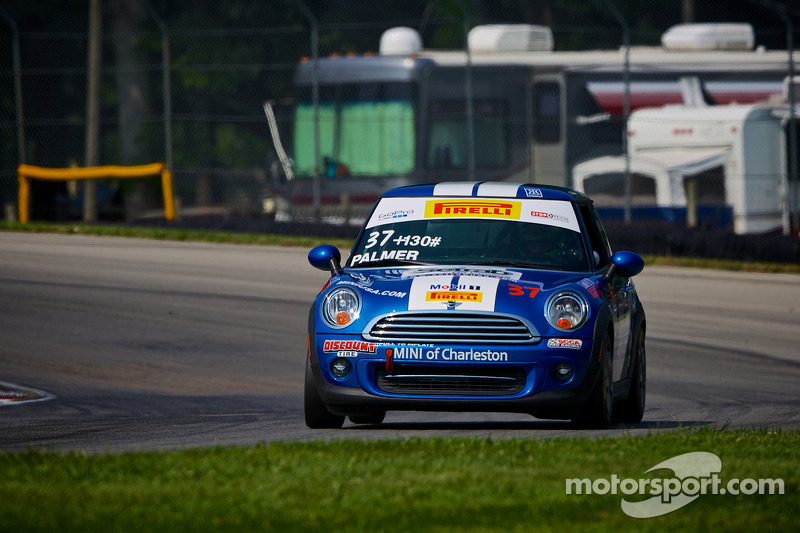 #37 MINI of Charleston Racing Mini Cooper: Tyler Palmer