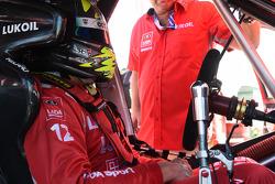 Robert Huff su LADA Granta 1.6T del team LADA Sport Lukoil