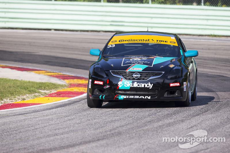 #33 Skullcandy Team Nissan Nissan Altima: Derek Jones, Vesko Kozarov