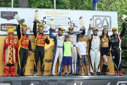 ST class podium: vencedores Terry Borcheller, Mike LaMarra, segundo lugar Wayne Nonnamaker, Will Non